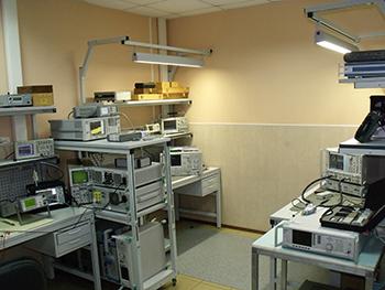 Рабочее место сервисному обслуживанию СВЧ оборудования.